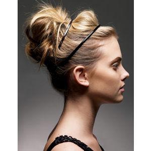 messy-hair-bun